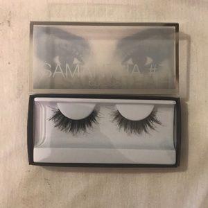 Huda Beauty False Lashes- Samantha #7 Classic